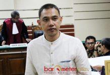 6 TAHUN PENJARA: Kabil Mubarok divonis 6 tahun dan 6 bulan dan hak politiknya dicabut. | Foto: Barometerjatim.com/DOK