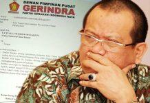 KEMBALIKAN MANDAT: La Nyalla Mattalitti mengembalikan mandat surat penugasan dari DPP Partai Gerindra setelah gagal mendapatkan koalisi Parpol untuk maju di Pilgub Jatim 2018 hingga deadline 20 Desember 2017. | Foto: Ist