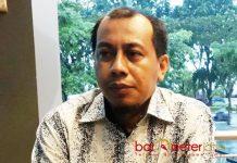 BATAL LAPORKAN HALIM: Aan Ainur Rofik, batal melaporkan Ketua PKB Jatim, Halim Iskandar ke Polda Jatim karena alasan banyak tekanan. | Foto: Barometerjatim.com/ABDILLAH HR