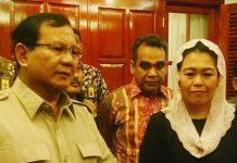 KANDAS: Prabowo Subianto dan Yenny Wahid memberikan keterangan pers, usai menggelar pertemuan terkait Pilgub Jatim 2018. | Foto: Ist