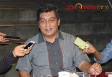 TREN ELEKTABILITAS: Airlangga Pribadi, tren elektabilitas Khofifah-Emil kian menguat sementara Gus Ipul cenderung turun. | Foto: Barometerjatim.com/ROY HASIBUAN