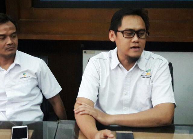 MURNI INISIATIF PKH: Arik Dwi Prasetyo (kanan), kehadiran Khofifah di Mojokerto murni inisiatif pendamping PKH. | Foto: Ist