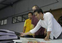 SESUAI KEBUTUHAN PABRIK: Cawagub Emil Dardak, SMK harus membuka jurusan yang menyesuaikan dengan arah industrialisasi di Jatim. | Foto: Barometerjatim.com/ROY HASIBUAN