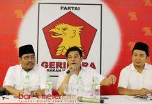 GERINDRA MENCARI BAKAL CAWAPRES: Soepriyatno (tengah), Romi kebesaran baju untuk mendampingi Prabowo Subianto di Pilpres 2019. | Foto: Barometerjatim.com/ROY HASIBUAN