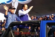 FOKUS PEMENANGAN JOKOWI: Surya Paloh (kanan) didampingi Effendy Choirie, Jokowi presiden lagi lebih berarti ketimbang penambahan kursi Nasdem di DPR. | Foto: Barometerjatim.com/ENEF MADURY