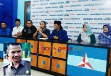 TANPA KAHARUDDIN: Konferensi pers terkait pergantian ketua DPRD Lamongan tanpa dihadiri Kaharuddin. | Foto: Barometerjatim.com/HAMIM ANWAR