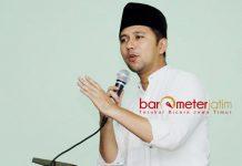 APRESIASI KINERJA APARAT: Emil Dardak mengapresiasi kinerja aparat di lapangan pasca teror bom di Surabaya, Minggu (13/5). | Foto: Barometerjatim.com/ROY HASIBUAN