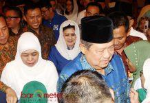 HALAL BI HALAL: Susilo Bambang Yudhoyono (SBY), Ani Yudhoyono dan Khofifah usai acara silaturahim dan halal bi halal alim ulama se-Jatim di Malang, Selasa (19/8). | Foto: Barometerjatim.com/MARIJAN AP