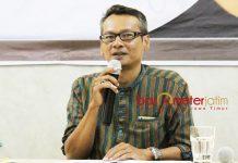 WARGA NU KE KHOFIFAH-EMIL: Direktur Utama SSC, Mochtar W Oetomo, suara warga NU lebih banyak ke Khofifah-Emil.   Foto: Barometerjatim.com/ROY HASIBUAN