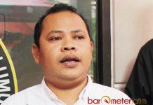 BANTAH MEMIHAK: Ketua Panwaslu Lamongan, Toni Wijaya, pembagian uang tak dilakukan Gus Ipul secara langsung maupun timnya. | Foto: Barometerjatim.com/HAMIM ANWAR
