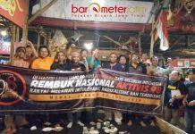 SIAP REMBUK NASIONAL: Aktivis 98 delegasi Jawa Timur siap bertolak ke Jakarta untuk mengikuti rembuk nasional. | Foto: Barometerjatim.com/NANTHA LINTANG