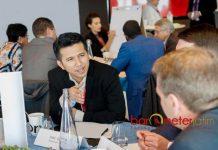 PERTEMUAN DI NEW YORK: Emil Dardak bersama para kepala daerah dalam pertemuan Bloomberg Harvard City Leadership Initiative 2018 di New York. | Foto: IST