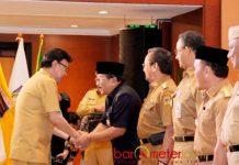 PENGUKUHAN PENGURUS APPSI: Pengukuhan kepengurusan APPSI periode 2015-2019 yang diketuai Gubernur Jatim Soekarwo di Jakarta, Senin (2/7). | Foto: IST