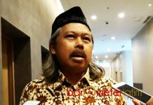 MEWAJIBKAN WARGA NU: Imam Pituduh, wajib bagi warga NU mendukung KH Ma'ruf Amin di Pilpres 2019. | Foto: Barometerjatim.com/ABDILLAH HR