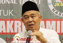 JOKOWI SHALATNYA BAIK: KH Asep Saifuddin Chalim, JKSN dukung Jokowi-Kiai Ma'ruf karena ideologis dan idealis.   Foto: Barometerjatim.com/ROY HASIBUAN