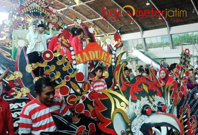 DAUL MADURA: Seni Daul asal Madura, salah satu budaya yang bisa di-promote untuk menarik wisatawan ke Jatim. | Foto: Barometerjatim.com/ROY HASIBUAN