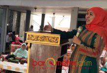 ASRAMA PONPES DIBIAYAI APBD: Khofifah berkunjung ke Ponpes Ponpes Attaroqqi Karongan, Tangumung, Sampang, Madura asuhan KH Fauroq Alawi, Senin (10/9). | Foto: Barometerjatim.com/MARJAN AP