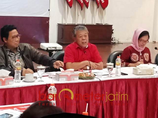 KONSOLIDASI: Rapat konsolidasi partai-partai politik pengusung Jokowi-Ma'ruf di kantor DPD PDIP Jatim, Surabaya, Rabu (5/9). | Foto: Barometerjatim.com/NANTHA LINTANG