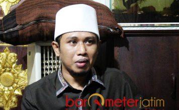 UNTUK JAMAAH-IMAM MANAQIB: Ra Fadil, tekad memperjuangkan jamaah dan imam manakib di daerah miskin lewat parlemen.   Foto: Barometerjatim.com/ROY HASIBUAN