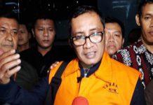 TAHANAN KPK: Syahri Mulyo saat ditahan KPK dalam kasus korupsi proyek infrastruktur. Besok dilantik sebagai bupati Tulungagung. | Foto: IST