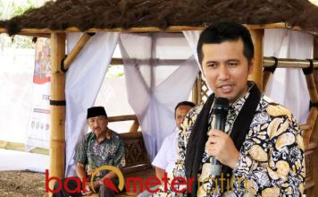 USUNG AGROBISNIS 4.0: Emil Dardak menjadi pembicara di ajang Indo Agro Expo di Banyuwangi, Senin (16/10). | Foto: Barometerjatim.com/ROY HASIBUAN