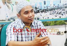 UNDANG PARPOL TERTENTU: KH Reza Ahmad Zahid, hanya Parpol yang satu ritme dengan NU yang diundang di istighotsah kubro.   Foto: Barometerjatim.com/ROY HASIBUAN