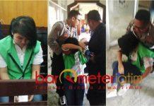 SIDANG LALU PINGSAN: Detik-detik Nguyen Thi Thann He pingsan usai menjalani sidang di PN Surabaya, Rabu (3/10). | Foto: Barometerjatim.com/ABDILLAH HR
