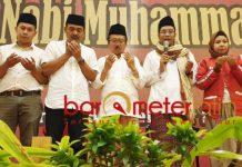 MAULID NABI: Bambang DH menghadiri peringatan Maulid Nabi Muhammad Saw di Ballroom Suncity Hotel, Sidoarjo, Minggu (9/12). | Foto: Barometerjatim.com/WIRA HARLIJADI