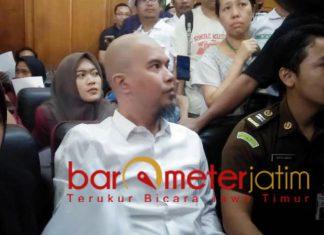 Ahmad Dhani, sidang eksepsi di PN Surabaya, Selasa (12/2/2019).   Foto: Barometerjatim.com/natha lintang