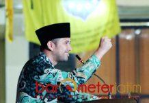 Salam Pergerakan! Emil Dardak di acara PKC PMII Jatim, Kamis (21/2/2019). | Foto: Barometerjatim.com/abdillah hr