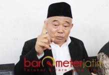 Kiai Asep, tak bisa membiarkan Fadli Zon menghina Mbah Moen. | Foto: Barometerjatim.com/roy hasibuan