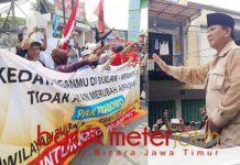 Prabowo diadang pendukung Jokowi di Kenjeran, Surabaya, Selasa (19/2/2019). | Foto: Barometerjatim.com/natha lintanga